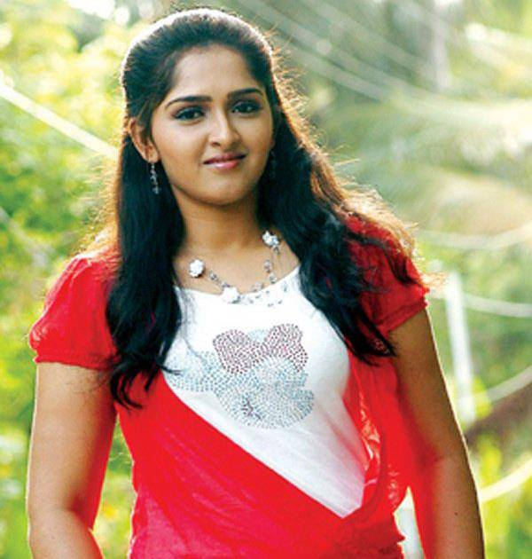 Http Picphotos Net Actress Sanusha Hot