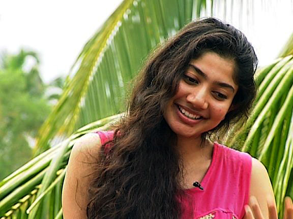 SAIPALLAVI LATEST STRATEGY BECOMES HOT TOPIC!