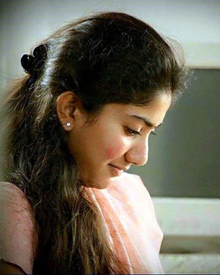 Malar latest image gallery
