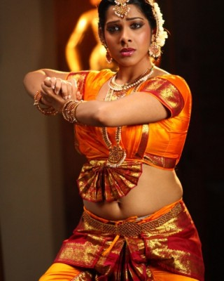 kadhal sandhya hot actress
