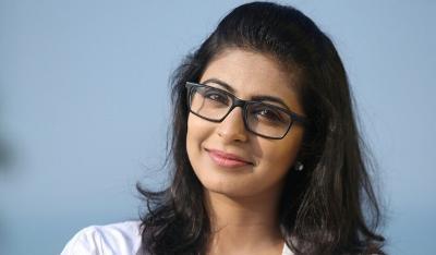 leona lishoy malayalam movie actress latest hot